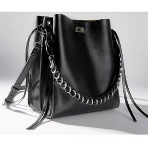 In search of this Zara bag!